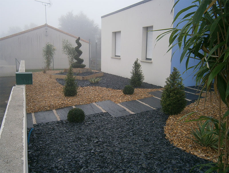 Olivier chagnoleau am nagement et conception de jardin for Amenagement massif devant maison
